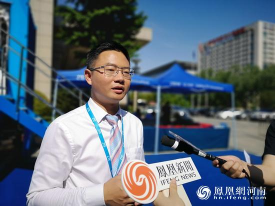 """两辆""""5G快车""""开到郑州,中兴通讯助力智慧城市"""