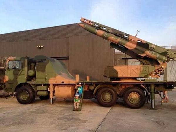 泰国:中国防空导弹到货 秀一下 (组图)