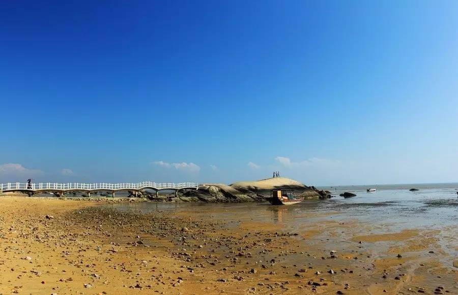 拥有三娘湾,刘冯故居两个国家4a级旅游风景区,另有平山岛,龙门群岛,麻