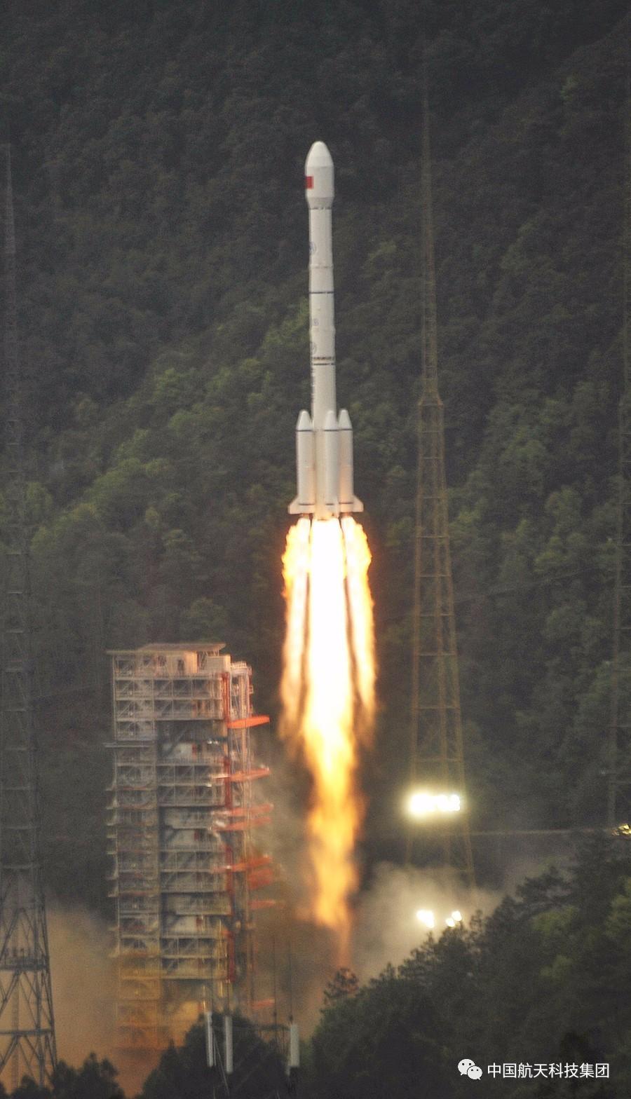 实践十三号卫星发射成功 飞机高铁上网不再是问题