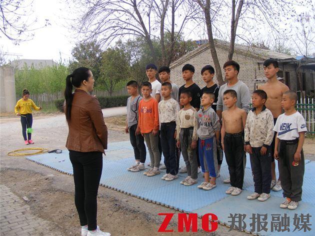 濮阳男子出狱后收留近40孤苦孩子积蓄花完借外债