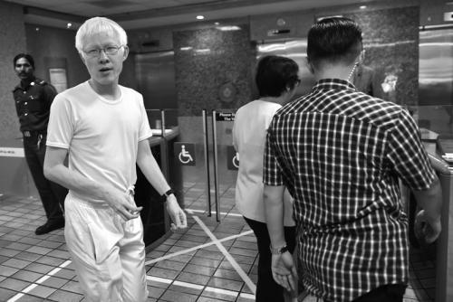 右图是李光耀的长孙李毅鹏。