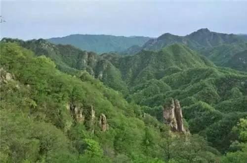旅游  西泰山风景区山竣,石奇,水清,林密,洞幽,年均气温11℃,负氧离子