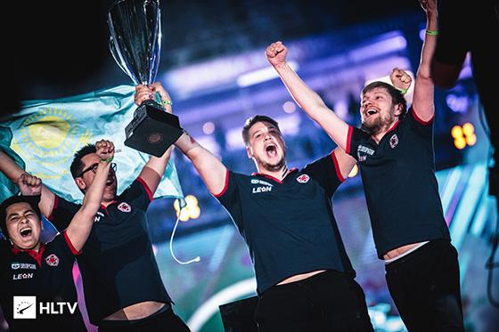 希望下一届major能看到五星红旗飘扬在国际赛场!