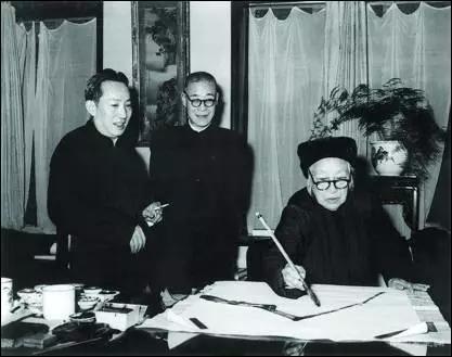 1962年年底傅抱石与何香凝、潘天寿在杭州合作国画以迎新年