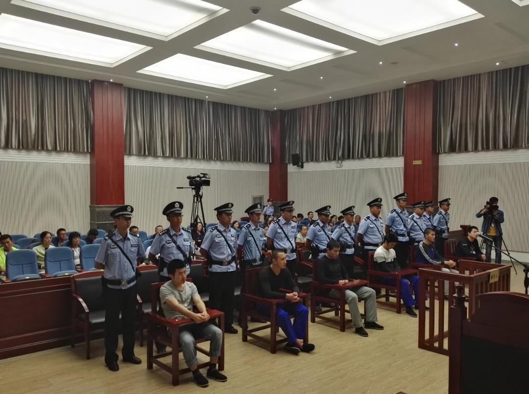 """""""女游客丽江被打""""案宣判,六被告人被判刑"""