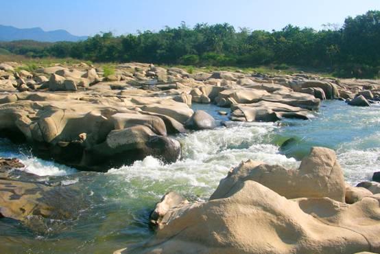 乘坡河谷生态旅游区