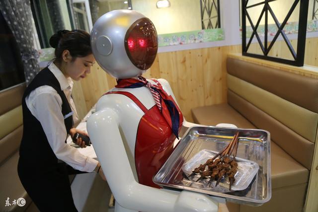 智能性机器人正在向我们走来!你能接受吗?