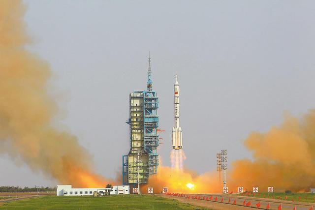 """长五失利89天后,中国长二""""一箭三星""""发射成功"""