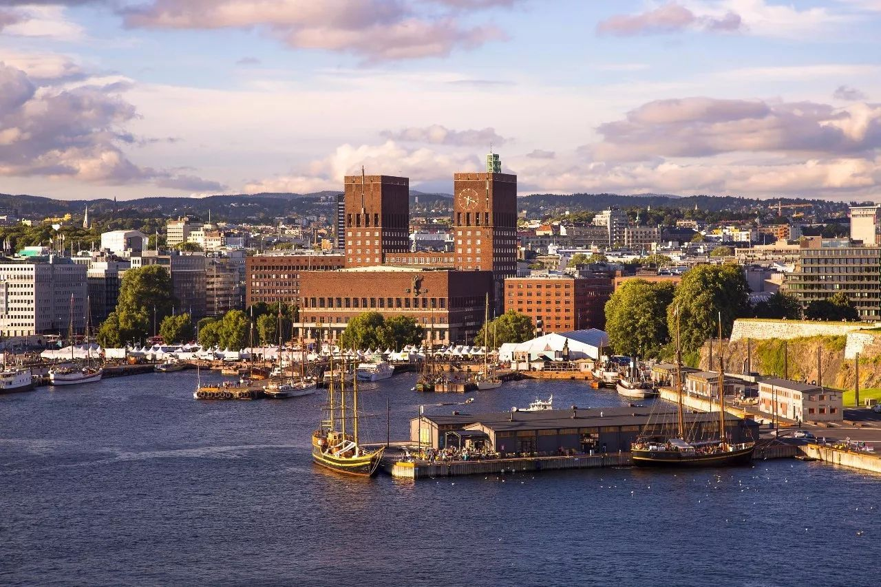 极致之旅  多年以来,挪威首都奥斯陆和它时髦的北欧邻居城市相比,都有