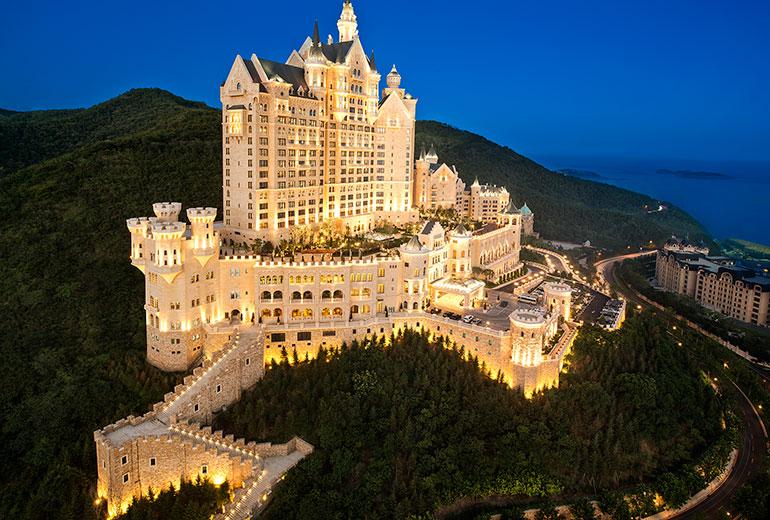 2014年9月19日,大连一方城堡豪华精选酒店开业.