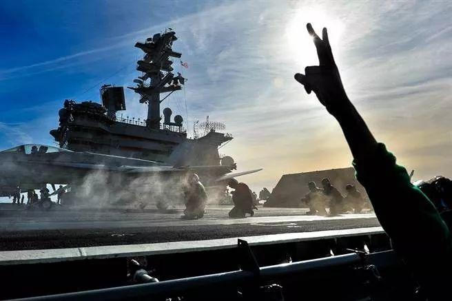 侠客岛:航母齐聚军演在即,南海最新局面怎么看?
