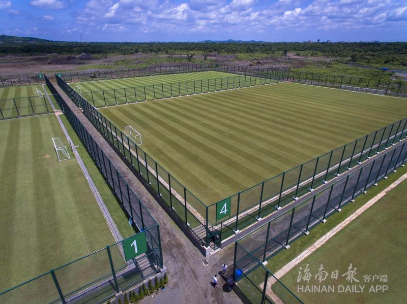 海南青训足球基地建成 本省校园足球队终有固