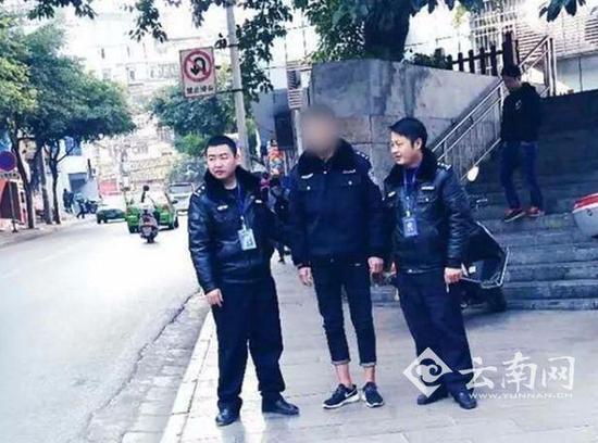云南一男子穿假警服上街遇真警察 被行拘8天