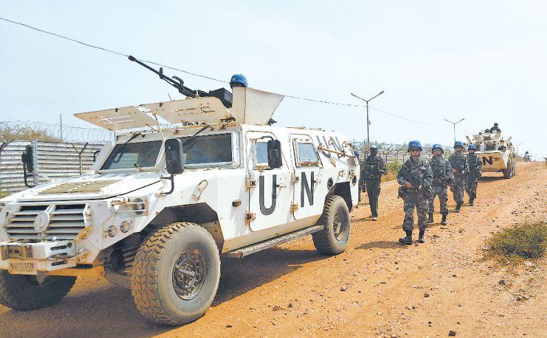 不退缩!中国维和官兵成功驱离荷枪实弹武装分子