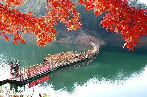 赣州  安远县三百山小镇以温泉养生,客家小吃,农业旅游为特色产业