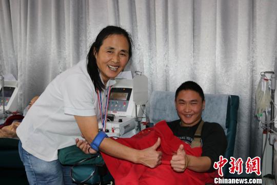 深圳诞生首位第300次献血人物