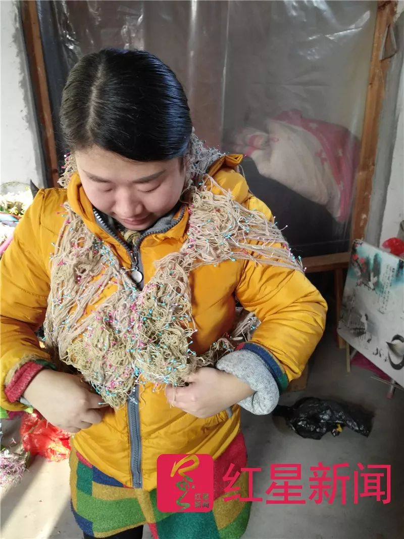 用垃圾袋设计衣服的王守英:不做中国香奈儿 只想结婚