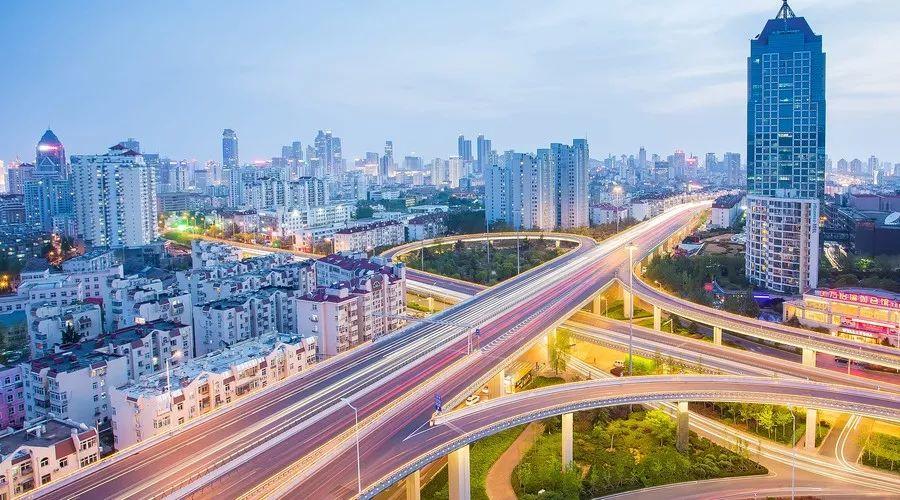 美丽青岛|深耕市政道路设施建设,3年铸就城市洁序净美