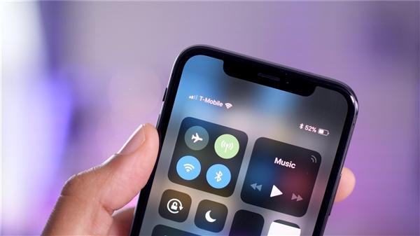 苹果公司计划2019年推出无刘海全面屏