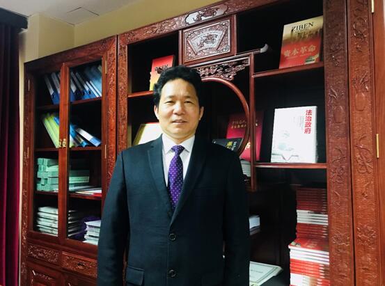 经济学家董志龙谈法治政府经济学