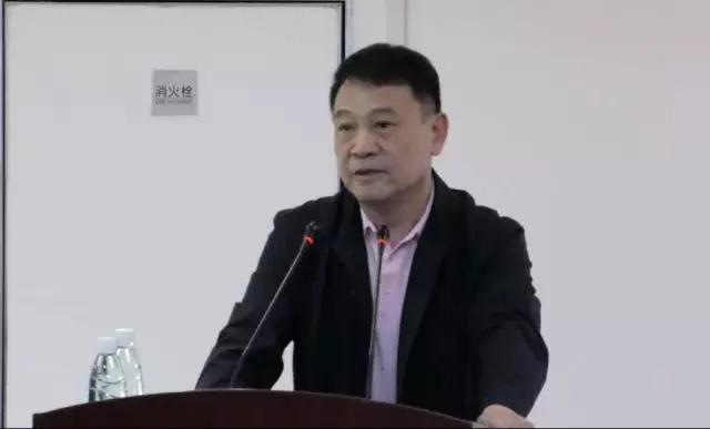"""""""专家谈收藏""""中国收藏家协会会长畅谈收藏行业的发展现状与前景"""