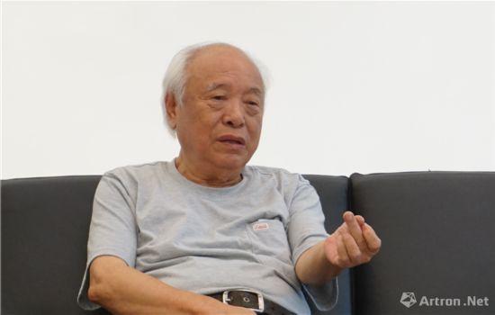 四川美术学院教授,著名雕塑家王官乙