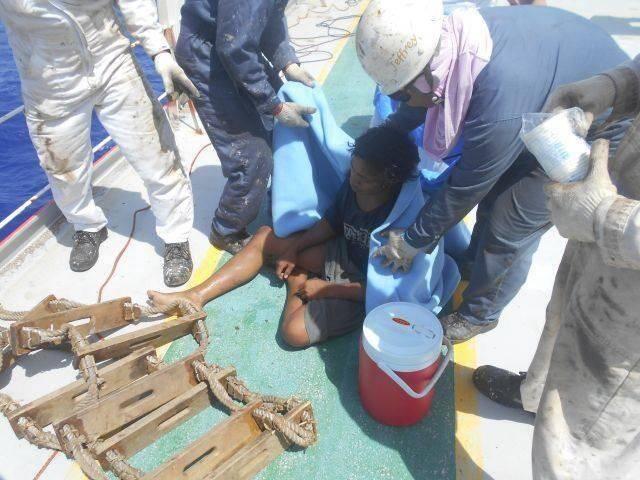 印度尼西亚少年海上漂流达49天 捕鱼充饥艰难生存保全性命