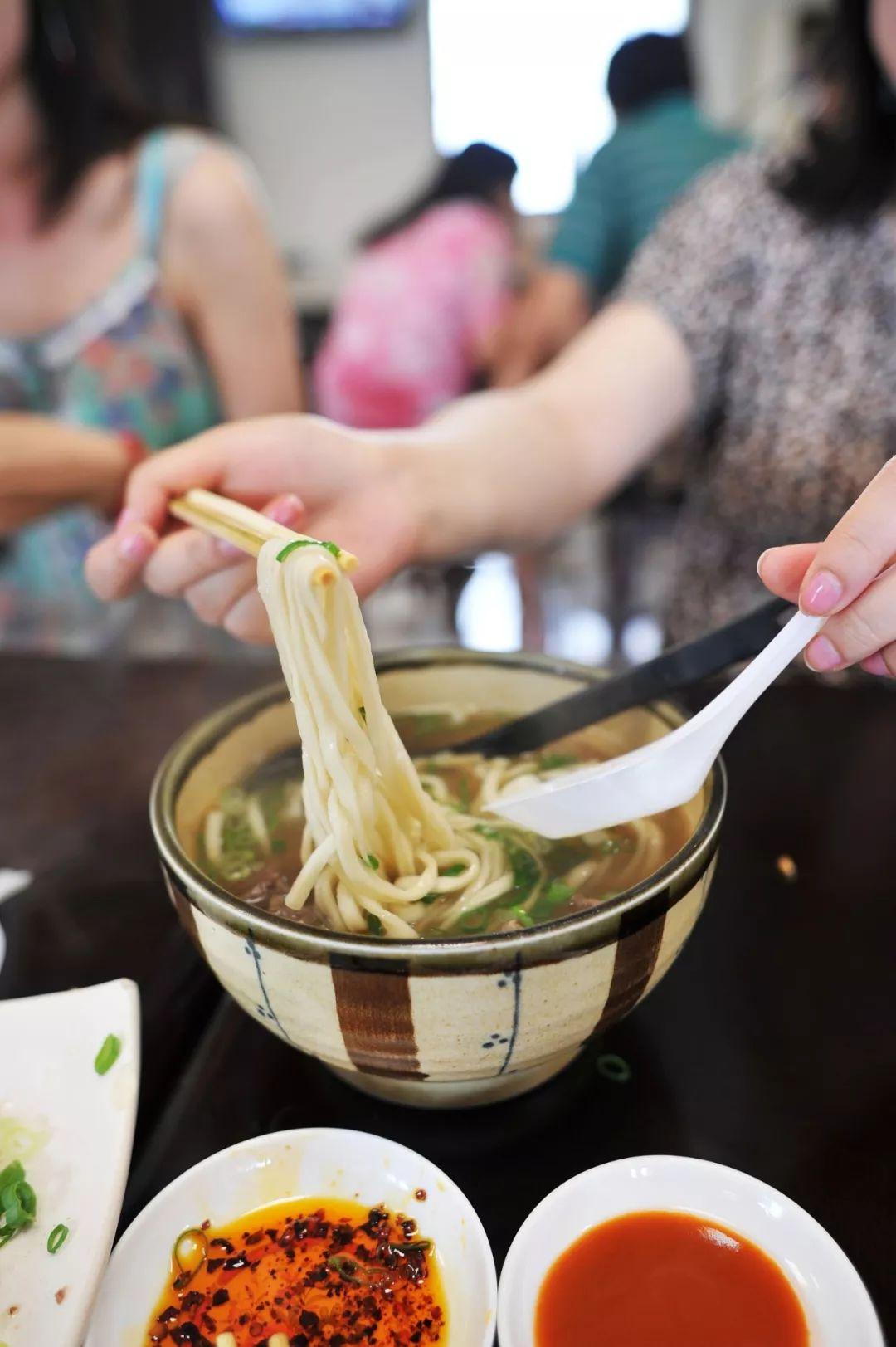 想吃中国最块大料足的那碗面?去台湾啊!