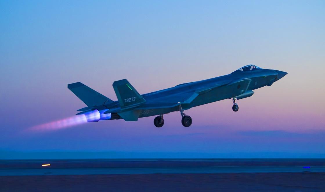 美媒估算2030中美俄战机数量 中国有500架五代机
