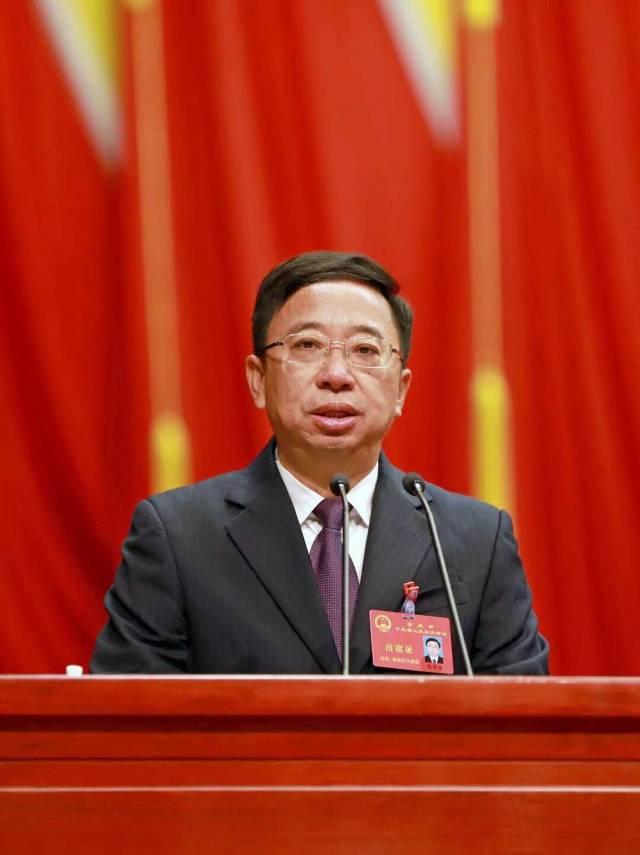 肇庆市市长范中杰作政府工作报告。刘春林摄