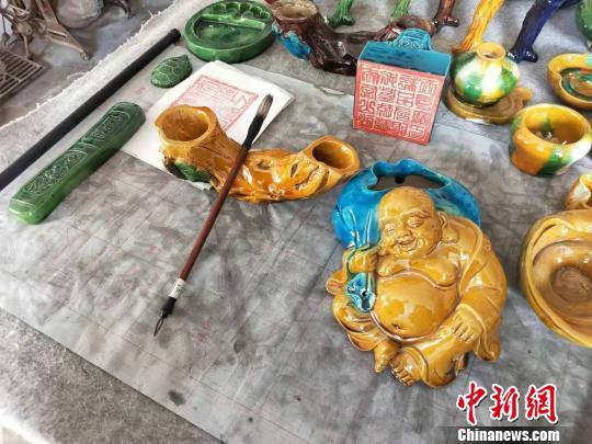 拥有600余年历史的苏氏琉璃兴盛于明代万历年,是山西省著名的民窑。 杨佩佩摄