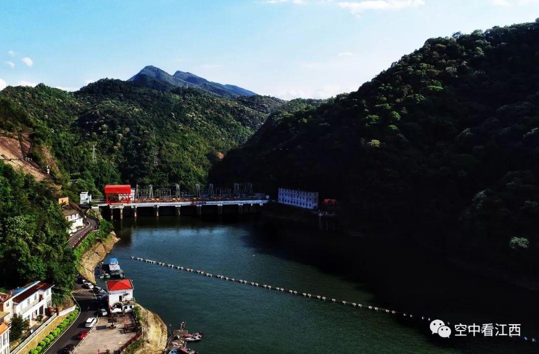 赣州  国家4a级风景区——阳明湖景区位于江西省赣州市西部