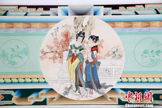 炕圍畫融壁畫、年畫、建筑彩繪為一體,兼具實用和審美功能王斌田攝
