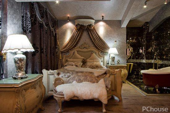 如何才能打造出理想的家居风格?除了家具和软装饰外,其实家居的一些小配件也能对家居风格起到很好的点缀作用,就像开关、插座,这些小配件同样对家居风格起到关键作用,想要打造出宫廷风的家,选择怎样的配件合适呢? 宫廷风格家装特点 说到宫廷风,更多人想到的是欧式的宫廷风,相对于中式宫廷风格来说,欧式宫廷风的奢华与精致,更让人沉醉。 金银色调