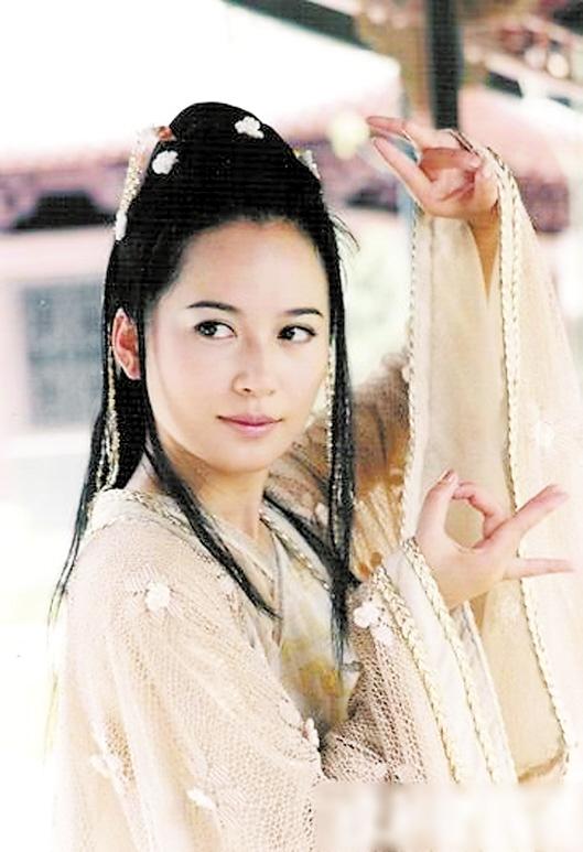 45岁的俞飞鸿虽然还未婚,但已经有了固定伴侣 [有看点]