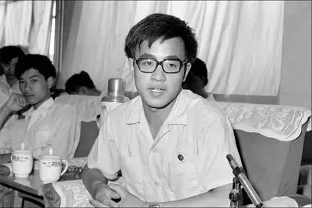 1983年,北大应届毕业生胡春华