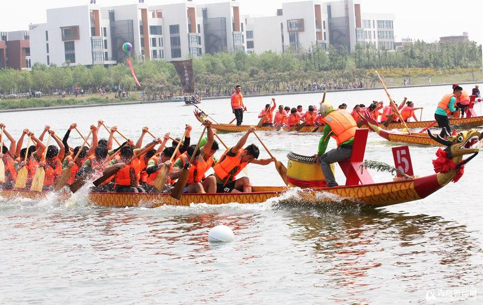 青岛高新区已经成功举办过国际风筝节,无人机大赛,半程马拉松赛等一些