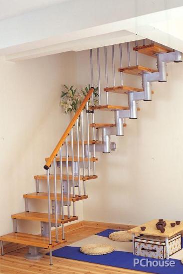 复式阁楼楼梯装修效果图2