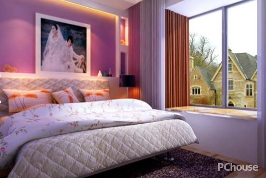 简约欧式风格卧室效果图 简约欧式风格卧室效果图3 简单的回字吊顶及床头的结婚照让原本简约的装饰艺术有了温情脉脉的一面