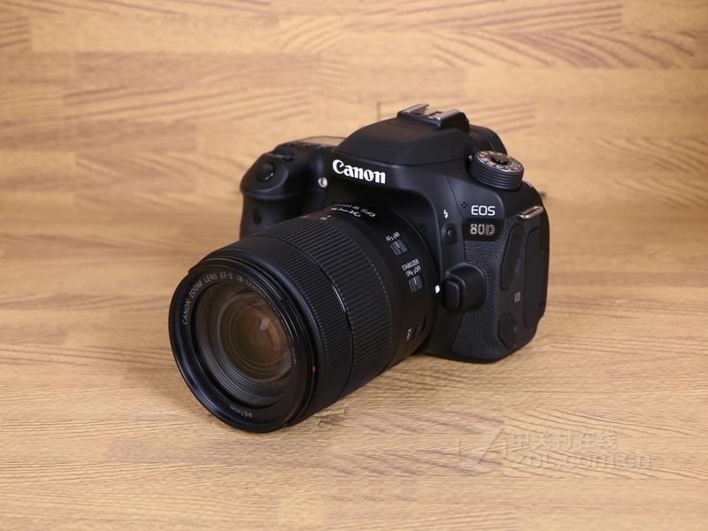 佳能80D 18-135mm套机促销中 7900元