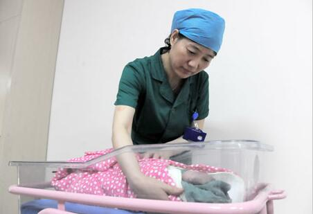山东去年出生人口177万 新生儿男比女多10.5万