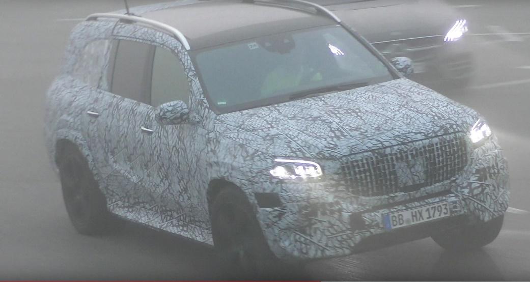 2020款奔驰AMG GLS 63路试谍照首曝 或于明年正式发布