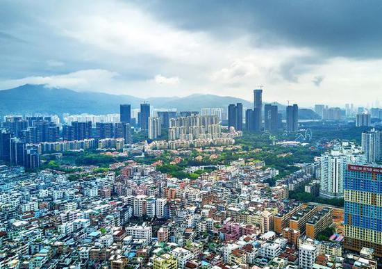 白石洲深圳最大城中村(资料图,图片来源:视觉中国)
