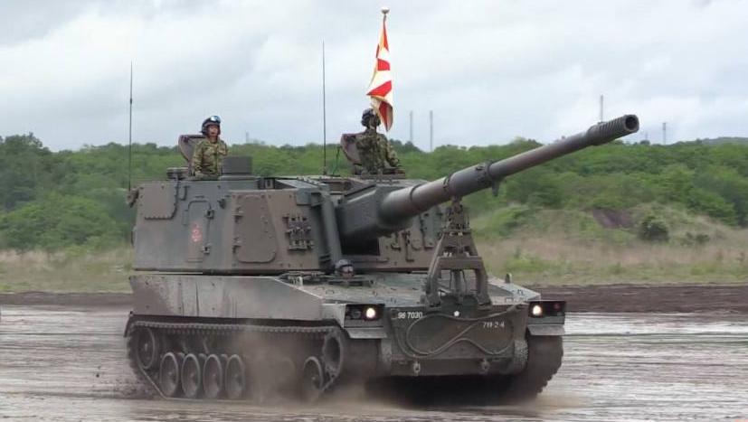 美军两款未来重炮同台测试 俄罗斯:都是软脚虾