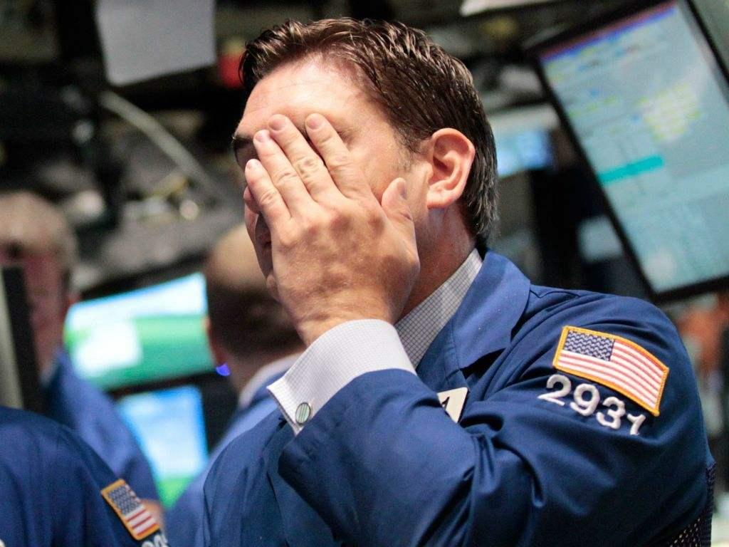 早盘:三大股指均下跌逾2%。道琼斯指数下跌凌驾600点