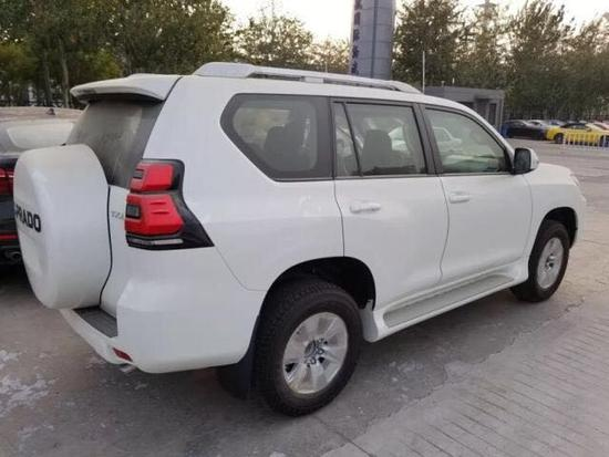 19款丰田霸道3000上市登港 升级配置价格-图3