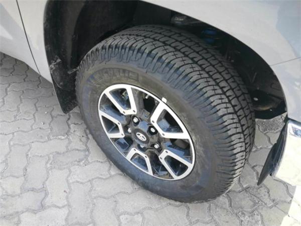 18款丰田坦途多少钱