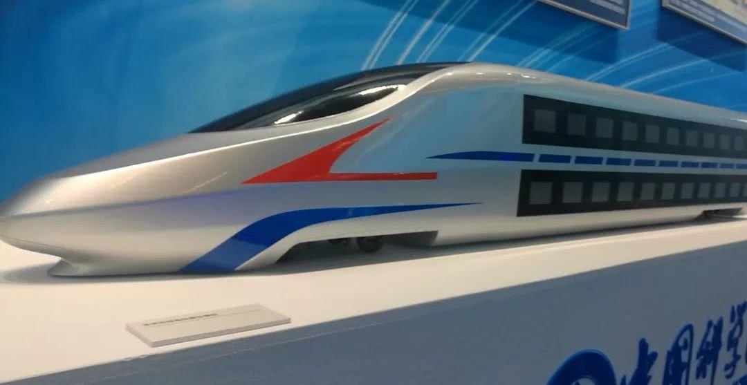 中国未来的双层高铁动车组长这样:跑出时速350公里不是问题