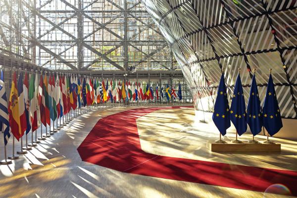 欧盟针对黄金签证的风险调查报告显示,28个欧盟成员国有20个都在直接或间接地出售签证或护照。